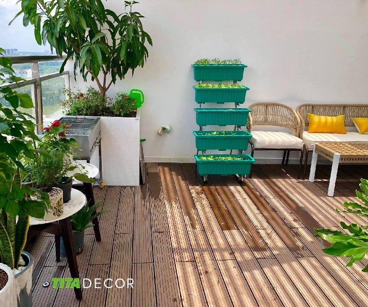 lót sàn gỗ sân thượng